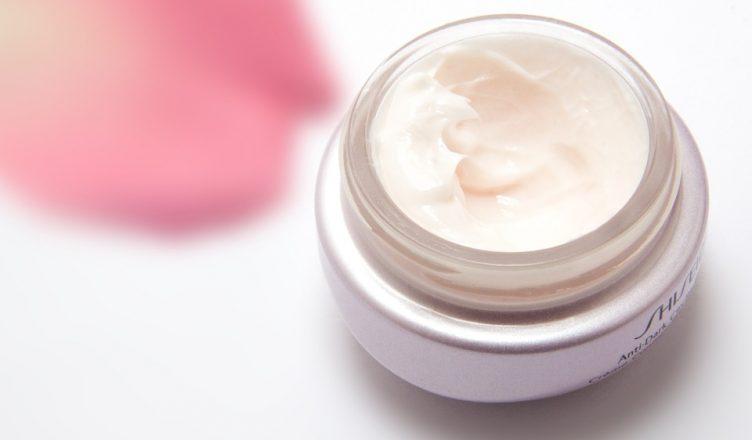Polacy wybierają kosmetyki premium
